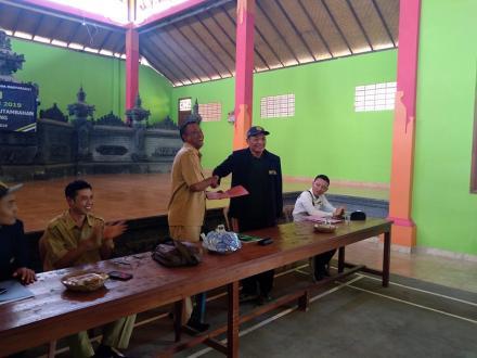 Serah Terima mahasiswa KKN UNUD Oleh Pemerintah Desa Bila